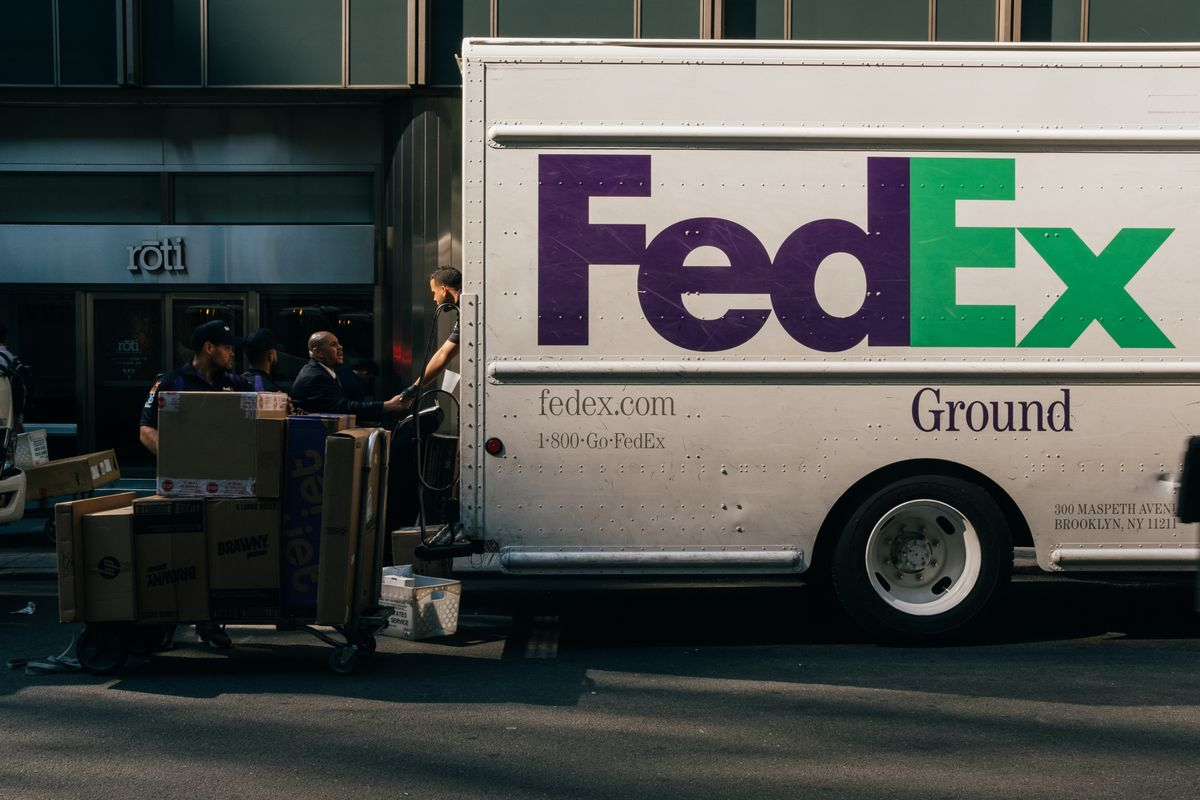 Walgreens teams up with FedEx to accept returns and print labels